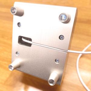 スマホスタンド&スピーカー 充電ケーブル使用例